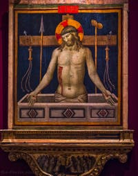 Niccolo di Pietro Gerini, Christ en piété avec les symboles de la Passion, en bas, le Rédempteur et Saint-Thomas d'Aquin, les apôtres Simon et Taddeo, détrempe sur bois, Galerie de l'Accademia à Florence, Italie