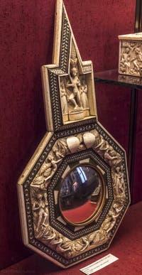 Atelier Embriachi, Miroir or, bois et marquetterie, XVe siècle, Musée du Bargello à Florence Italie