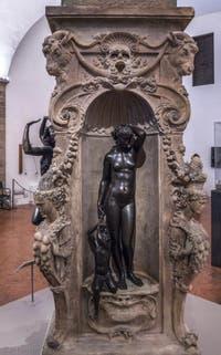Benvenuto Cellini, Danaé et Persée enfant, 1553, Musée du Bargello à Florence Italie