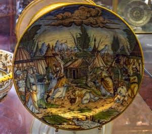 Urbino, Plat décoré avec la chute de la manne céleste, 1570, musée du Bargello à Florence Italie
