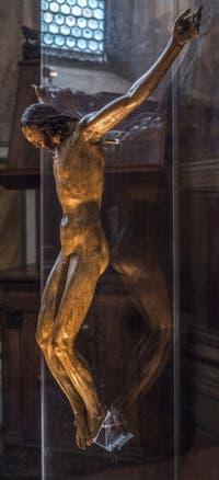 Michel-Ange Buonarroti, Crucifix, bois polychrome, 1495, Musée du Bargello à Florence Italie