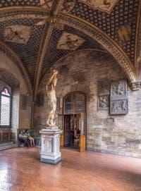 Fresques et galerie du Musée Bargello à Florence Italie