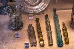 Verre de Murano, Petit Vase, Fiole à parfum, XVII-XVIIIe siècle, musée du Bargello à Florence Italie