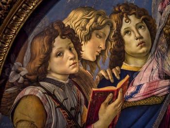 Sandro Botticelli, La Vierge à la Grenade, l'enfant Jésus et six anges, 1487, Galerie Offices Uffizi, Florence Italie