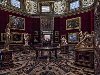 Salle de la Tribune de la Galerie des Offices Uffizi, Florence Italie