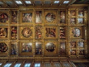 Giorgio Vasari, Giovanni Battista Naldini, Giovanni Stradano, Techo de la Sala de los Quinientos, dei Cinquecento, Palazzo Vecchio en Florencia, Italia
