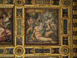 Giorgio Vasari, Giovanni Stradano, Allégorie du Chianti avec Bacchus et le coq noir, symbole du Chianti, 1563-1565, plafond Salle des Cinq Cents, Cinquecento, Palazzo Vecchio à Florence en Italie