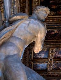 Michel-Ange, le Génie de la Victoire ou Le Vainqueur, dans la Salle des Cinq-Cents du Palazzo Vecchio à Florence en Italie
