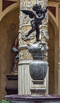Andrea Verrocchio, Francesco Ferruci, Fontaine du Cortile di Michelozzo, 1555, Palazzo Vecchio, Florence Italie