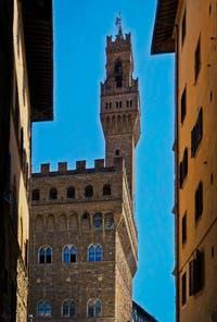 La tour Arnolfo, d'Arnolfo di Cambio, du Palazzo Vecchio à Florence