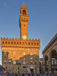 Le Palazzo Vecchio vu depuis la Piazza della Signoria à Florence Italie