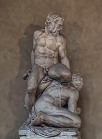 Pierino da Vinci, Samson abat un Philistin, 1550, Cour Michelozzo, Palazzo Vecchio, Florence Italie