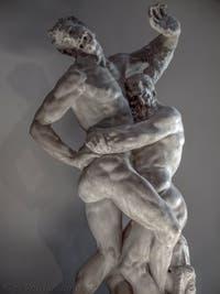 Vincenzo de Rossi, Hercule étouffe Antée, salle des Cinq-Cents du Palazzo Vecchio à Florence en Italie