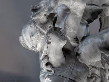 Vincenzo de Rossi, Hercule tue Hippolyte la Reine des Amazones, salle des Cinq-Cents du Palazzo Vecchio à Florence en Italie