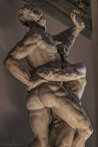 Vincenzo de Rossi, Hercule et Antée, 1562-1584, salle des Cinq Cents, dei Cinquecento du Palazzo Vecchio, Florence Italie