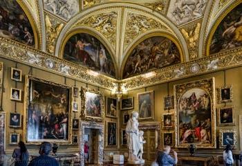 Salle de la Galerie Palatina du Palazzo Pitti à Florence en Italie
