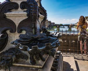 Raffaello Romanelli, statue de Benevenuto Cellini sur le Ponte Vecchio à Florence en Italie