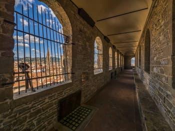 Le chemin de ronde de la Tour Arnolfo du Palazzo Vecchio à Florence