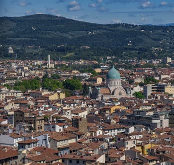 La synagogue de Florence vue depuis la Tour Arnolfo du Palazzo Vecchio à Florence en Italie
