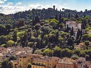 La Torre del Gallo vue depuis la Tour Arnolfo du Palazzo Vecchio à Florence en Italie
