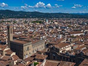 Le Bargello vu depuis la Tour Arnolfo du Palazzo Vecchio à Florence en Italie