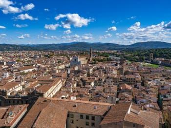 La Basilique de Santa Croce vue depuis la Tour Arnolfo du Palazzo Vecchio à Florence Italie