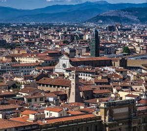La Basilique Santa Maria Novella depuis la Tour Arnolfo du Palazzo Vecchio à Florence en Italie