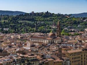 La Basilique de Santo Spirito vue depuis la Tour Arnolfo du Palazzo Vecchio à Florence en Italie