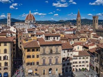 Le Duomo, la Badia Fiorentina et le Bargello vus depuis la Tour Arnolfo du Palazzo Vecchio à Florence en Italie