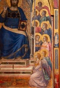 Giotto di Bondone, panneau central au verso du Triptyque Stefaneschi, détail du Christ Bénissant ou Christ en Majesté, à la Pinacothèque du Musée du Vatican à Rome