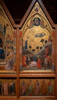 Giotto di Bondone, panneau droite du verso du Triptyque Stefaneschi, la Décapitation de saint Paul avec sa prédelle, à la Pinacothèque du Musée du Vatican à Rome