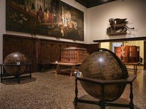 La salle des globes terrestres du Musée Correr à Venise