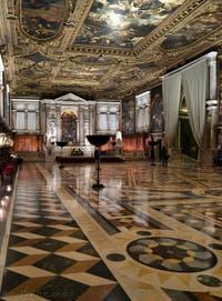 La salle du Chapitre de la Scuola Grande San Rocco à Venise