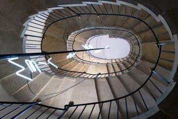 Baldassare Longhena, Antonio et Giuseppe Sardi, escalier ovale d'accès à la Salle de la Musique et à l'Ospedaletto à Venise