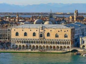Le Palais des Doges à Venise, façade sur le Bassin de Saint-Marc