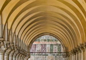 Arcades du Palais des Doges à Venise, côté de la Piazzetta San Marco