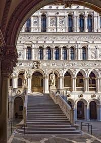 L'escalier des Géants du Palais des Doges de Venise