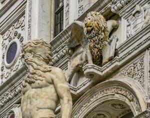 Neptune et le Lion de Saint-Marc, escalier des Géants du Palais des Doges de Venise