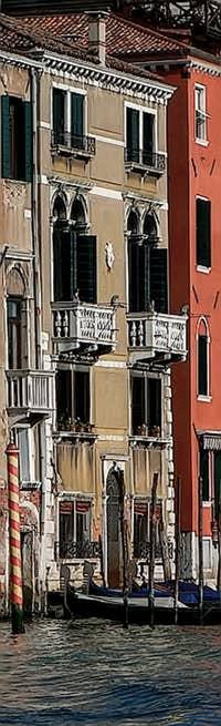 La façade du Palais Pisani sur le Grand Canal à Venise