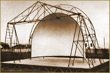 Coupole pliable Mariano Fortuny réalisée pour le théâtre du Carro di Tespi