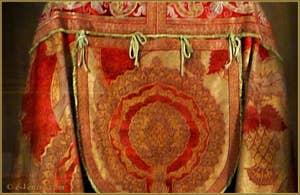 Cape Mariano Fortuny en velours de soie frappée d'or d'après des motifs du XVe siècle