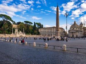 La Piazza, la place del Popolo à Rome avec son obélisque