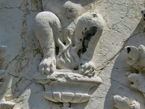 Sculpture sur le Palazzo dei Camerlenghi à Venise, que l'on  me brûle l'entrejambe