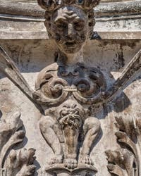 Sculpture sur le Palazzo dei Camerlenghi à Venise, Lorsque les ongles me pousseront entre les cuisses