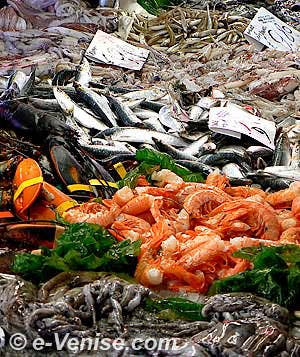 Etal de poisson au marché du Rialto