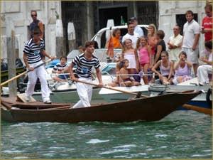 La Régate historique de Venise en Famille du plus petit au plus grand