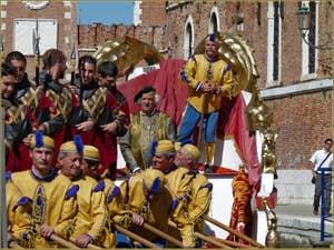 Regata Storica de Venise, la Serenissima devant l'Arsenal