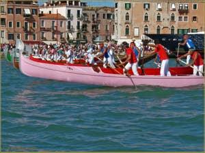 Regata Storica à Venise : Course de Gondoles à 4 rameurs