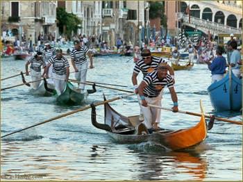 Régate Historique de Venise, Regata Storica, la course des Gondolini à 2 rameurs