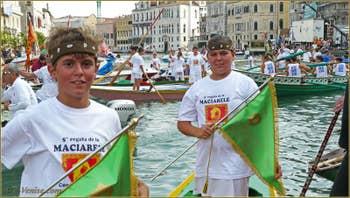 Regata Storica Venise, les bandiere, les bannières remises aux premiers arrivés